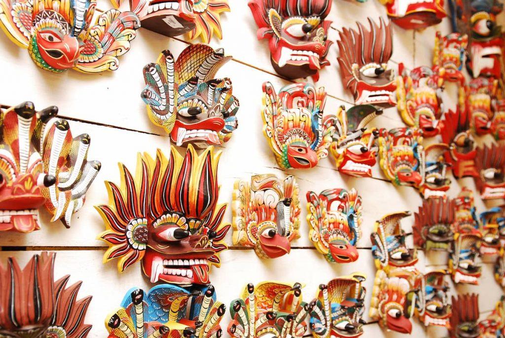masques traditionnelles sri lanka