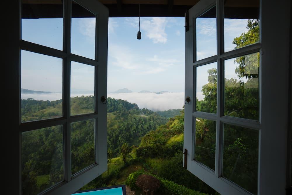 vue de la chambre d'hôtel à kandy